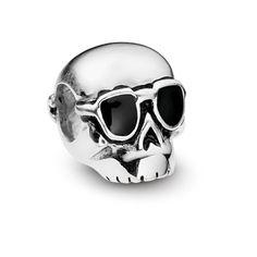 Pingente caveira com óculos esmaltada em prata 925.