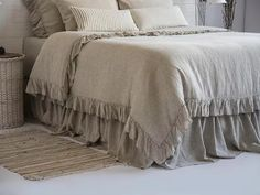 Linen Duvet Cover Frilled French Vintage Stone Washed Luxury or 3 pcs Set Flax Super Soft Natural Organic King Queen Christmas SALES! Chic Bedding, Ruffle Bedding, Linen Duvet, Luxury Bedding, Shabby Chic Effect, Shabby Chic Zimmer, Luxury Duvet Covers, New Beds, Bed Sheets