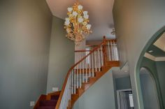 Beautiful Foyer. For Sale by RE/MAX PLATINUM TEAM CALLAN CALL 810.632.2345. Visit our website www.teamcallan.com.