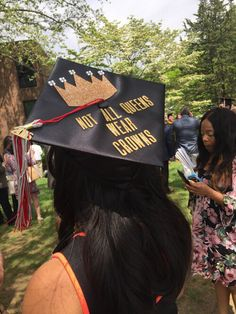 King of the clouds Funny Graduation Caps, Graduation Cap Designs, Graduation Cap Decoration, College Graduation, Graduate School, Graduation Ideas, Graduation Cup, Graduation Picture Poses, Grad Pics