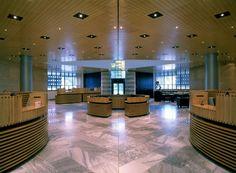 Banca del Gottardo by Mario Botta, Lugano, Svizzera, 1984-1988. Photo Pino Musi Architetto
