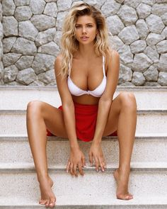These Nata Lee pictures are her hottest photos ever. We found sexy images, GIFs (videos,) & wallpapers from various bikini and/or lingerie photo shoots. Hottest Models, Hottest Photos, Beautiful People, Beautiful Women, Actrices Sexy, Russian Models, Adele, Sexy Legs, Ideias Fashion