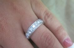 14K White gold round diamonds ring.