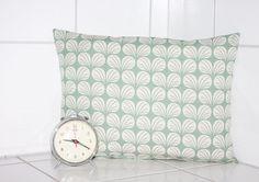 Kissen - Kissen mint grafisches Muster 30x40 Dekokissen - ein Designerstück von Handmade-Erzgebirge bei DaWanda