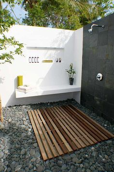 an outside shower! I grew up with one of these & I will DEF have one at my house!