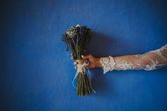 Ramo de novia de lavanda {Foto, Luis Cabeza} #ramodenovia #bridalbouquet
