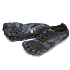 Vibram FiveFingers KSO EVO allows you to get great grip and flexibility. 5 millimeters thin sole encourages good form while being able to absorb shock. Finger Shoes, Vibram Fivefingers, Long Toes, Sport Wear, We Wear, Running Shoes For Men, Evo, Travel Bags, Men's Shoes