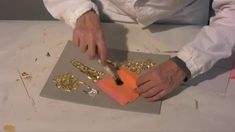 Gilding course: 11 - Gilding in relief Free Handwriting, Gold Leaf Art, Feuille D'or, Gold Gilding, Silver Leafing, Byzantine Icons, Painting Videos, How To Make Ornaments, Hobbies And Crafts