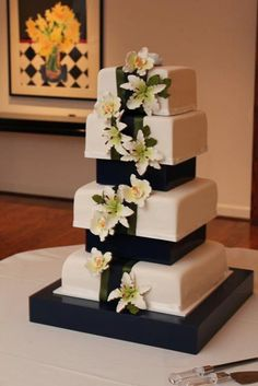 Custom Cake Stand With Support System or by MikesAmazingStands, $156.00