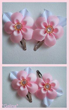 Ribbon Hair Clips, Baby Hair Clips, Diy Hair Bows, Fabric Ribbon, Ribbon Bows, Fabric Flowers, Flower Hair Pieces, Flowers In Hair, Frozen Bows