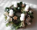 Adventné svietniky Christmas Advent Wreath, Christmas Decorations, Table Decorations, Holiday Decor, Textiles, Candle Sconces, Centerpieces, Projects To Try, Mandala