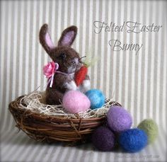 creating in glass slippers: Felted Easter Bunny