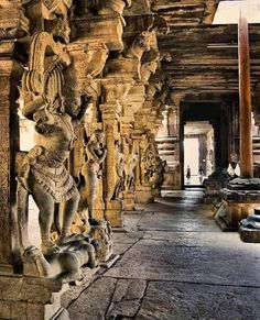 A true marvel that shows the advanced craftsmanship as well as love and devotion of our ancestors for art. Maintaining our Heritage,… Indian Temple Architecture, Ancient Indian Art, South India, India Travel, Temples, Lion Sculpture, Marvel, Statue, Shiva