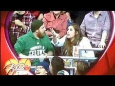 Chicago Bulls Kiss Cam FAIL - MASCOT STEPS IN and shows him how its done!   LOL || VIDEO - YouTube