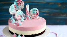 Mansikka-valkosuklaajuustokakku suklaakakkupohjalla, munaton - Suklaapossu Chocolate Dome, Cake Decorating, Decorating Ideas, Flora, Cheesecake, Birthday Cake, Baking, Desserts, Cakes