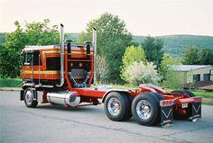 cool semi trucks front of semi truck custom paint job. Black Bedroom Furniture Sets. Home Design Ideas