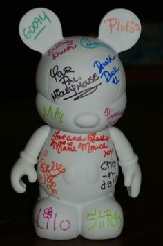 Disney Character Autograph Vinylmation love this idea for the design your own vinyl action!!