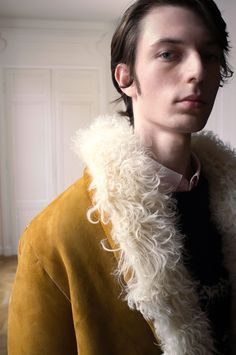 Éditions MR Fall 2017 Menswear Fashion Show Runway Fashion, Fashion Show, Mens Fashion, Vogue Paris, Winter 2017, Fall Winter, Editions Mr, Fashion Photography, Autumn Fashion