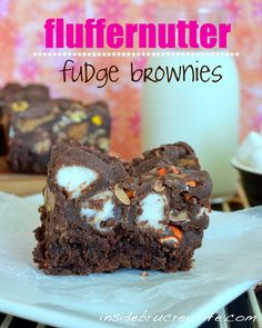 Fluffernutter Fudge Brownies from insidebrucrewlife.com - brownies topped with peanuts, marshmallows, Reese's pieces and fudge #brownies #Reeses