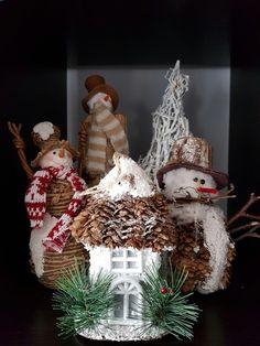 Christmas Wreaths, Christmas Ornaments, Holiday Decor, Home Decor, Holiday Burlap Wreath, Christmas Ornament, Interior Design, Home Interior Design, Christmas Topiary
