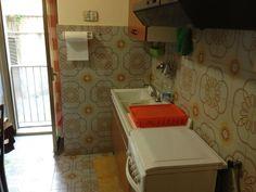 Cucina: 4 camere da letto - Cucina Abitabile - 2 bagni di cui uno con doccia e lavatrice - riscaldamento indipendente - chiamare Sara 3383570216