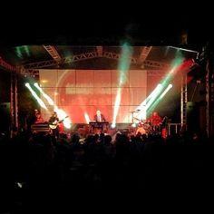 #hammondgrooves #organtrio #hammond #leslie #drums #guitar #guitarra #bateria #musica #music #stage #festival #blues #jazz #concert #show #musthave #lights #praia #serra #turismo #jazzfest #foto @tati_hauer