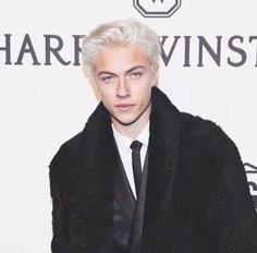 Lucky Blue Smith / do you mean Fucky… Lucky B Smith, Blonde Male Models, Two Different Colored Eyes, Snow White Hair, Blue Jam, Bright Blue Eyes, Lucky Blue, Best Eyebrow Products, Fine Boys