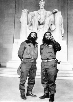 Camilo Cienfuegos in front of Lincoln Monument by Salas