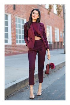 Formal Burgundy Blazer Women Business Suits with Pant and Jacket Sets Ladies Office Uniform Designs Styles Burgundy Outfit, Burgundy Blazer, Burgundy Color, Burgundy Suit Women, Maroon Outfit, Classy Outfits, Chic Outfits, Fashion Outfits, Fashionable Outfits