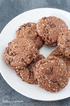 These sweet & delicious cookies are packed with protein and healthy fats - perfect for an on-the-go snack or breakfast! Paleo, vegan, soy-free, nut-free.