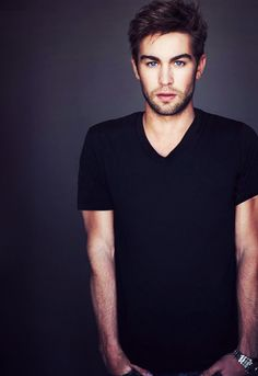 Chace Crawford. becuz i love gossip girl