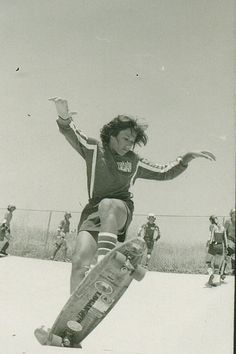 Eddie Katz -Carlsbad Skatepark 1976- Earth Ski Team Rider -photo by Warren Bolster