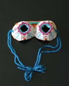 Egg Carton Goggles -- these turned out so cute!