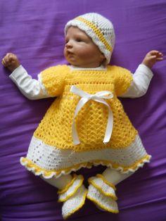 Babyset https://www.facebook.com/pages/Simones-Handarbeiten-und-Basteleien/538619992879745