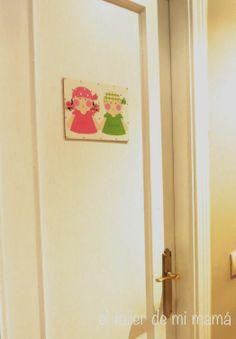 Cartelito para puerta para el baño de 2 niños.