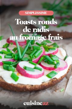 Une recette de toasts ronds de radis au fromage frais prêts en 10 minutes. #recette#cuisine#toast #fromagefrais #radis#aperitif #apero Toast, Cheesecake, Desserts, Food, Funny, Philly Cream Cheese, Vegetable Tian, Strawberry Fruit, Recipes