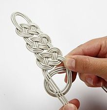 Celtic knot tutorial. Cute for a bracelet... or belt.