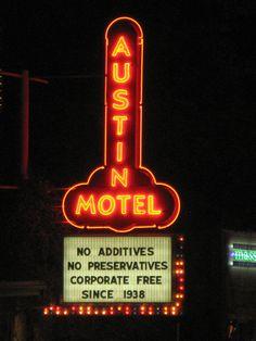 austin: soco hotels                              http://www.austinmotel.com/neighborhood.html