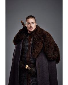 Viking Costume, Medieval Costume, The Last Kingdom Cast, Uhtred De Bebbanburg, Gorgeous Men, Beautiful People, Vikings, Alexander Dreymon, Viking Warrior