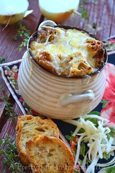 French Onion Soup {A Pretty Life} - ready for dinner in under 1 hour!  SO easy & delicious!