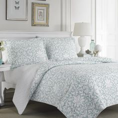 Laura Ashley Mia Reversible 3-piece Cotton Quilt Set - Overstock™ Shopping - Great Deals on Laura Ashley Quilts