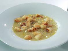 Sýrová polévka s pórkem a cibulí
