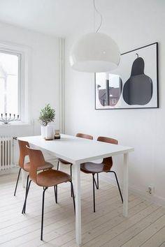 先に紹介した、フリッツ・ハンセン社の「3103 Tチェア」。  1955年に発表された椅子ですが、すでに70代に廃盤となった椅子です。