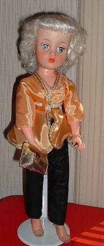 Horsman Cindy Trunk doll