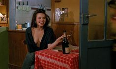 Betty Blue is a 1986 French film. Its original French title is le matin, which means in the Morning. The film was directed by Jean-Jacques Beineix and stars Béatrice Dalle and Jean-Hugues Anglade. Betty Blue, Jenifer Aniston, Film Inspiration, French Films, Film Aesthetic, Film Stills, Film Photography, Movies And Tv Shows, Photoshoot