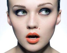Orange lips + dark eyes