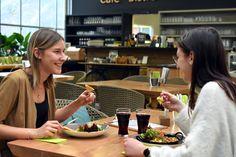 Eine Auszeit inmitten vom Blumenmeer! Neben Kaffee & Kuchen gibt's auch Kleinigkeiten für den Hunger!   Öffnungszeiten: Täglich von 9.00 bis 17.00 Uhr Warme Küche von 10.30 bis 17.00 Uhr Frühstück von 9.00 bis 10.30 Uhr     Nach einer Einkaufstour in der Erlebnisgärtnerei Hödnerhof oder einfach so, kommen Sie vorbei, wir freuen uns auf Sie. Cafe Bistro, Chocolate Fondue, Desserts, Food, Goodies, Simple, Warm Kitchen, Time Out, Shopping