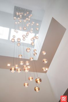 Villa Aan De Beek – Francois Hannes - All For Light İdeas High Ceiling Lighting, Hallway Lighting, Chandelier Lighting, Ceiling Lights, Bubble Chandelier, Chandeliers, Luxury Lighting, Interior Lighting, Lighting Design