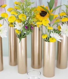 Can use any color paint. Lots of instant vases for centerpieces. Make a Modern Spring Centerpiece Using Just Gold Spray Paint and PVC Pipe Diy Projects Using Pvc Pipe, Pvc Pipe Crafts, Diy House Projects, Craft Projects, Diy And Crafts, Project Ideas, Gold Spray Paint, Copper Paint, Deco Floral