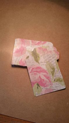 Check out this item in my Etsy shop https://www.etsy.com/listing/463016483/floral-rose-tags